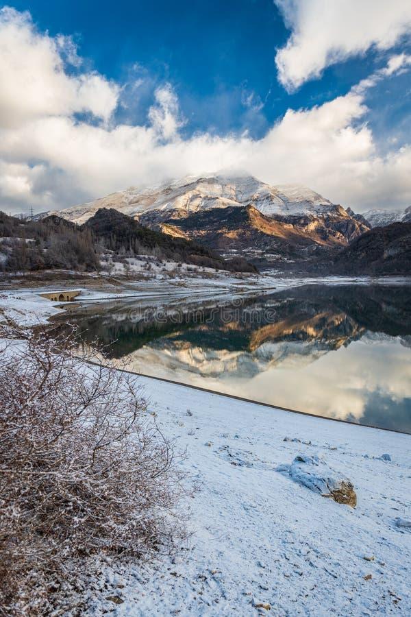 Гора Bubal озера стоковое фото