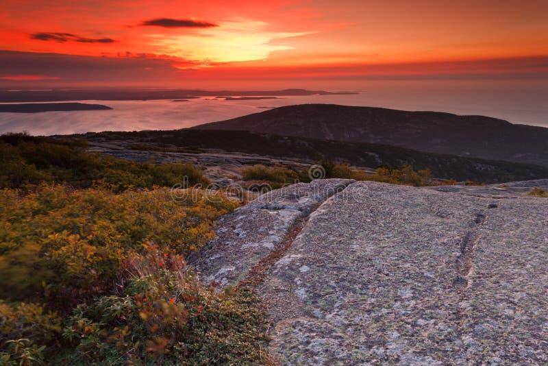 гора cadillac над восходом солнца стоковые фото