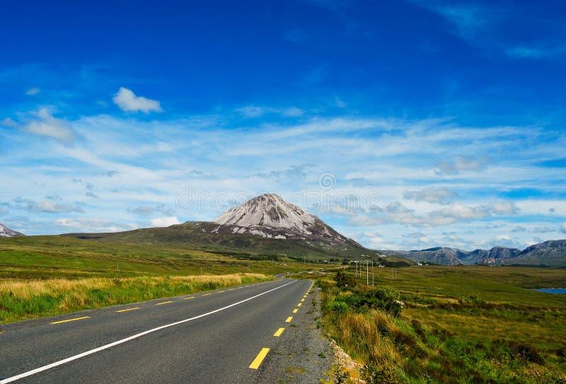 гора co donegal errigal Ирландии стоковое фото