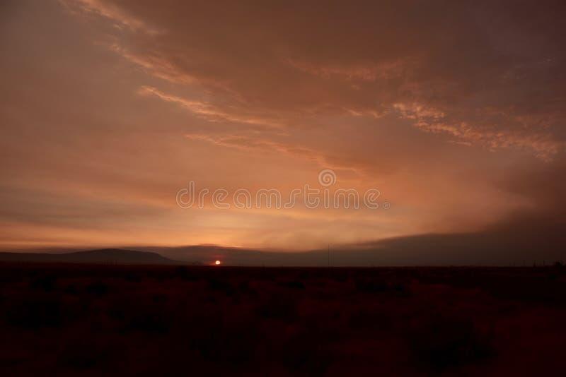 Гора Ghostworld Rattlesnake: Заход солнца Dreamscape Smokey стоковое изображение rf