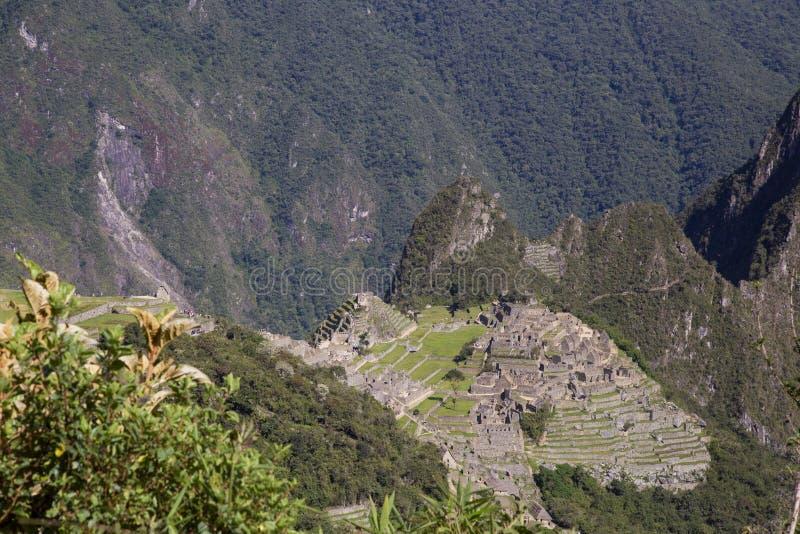 Гора Machu Picchu и Huayna Picchu в Перу, увиденном от двери солнца стоковые фото