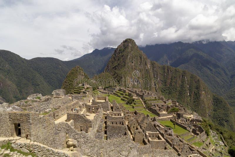 Гора Machu Picchu и Huayna Picchu в Перу, увиденном от двери солнца стоковая фотография rf