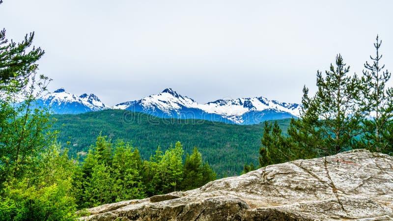 Гора Serratus и держатель Tantalus стоковые фото