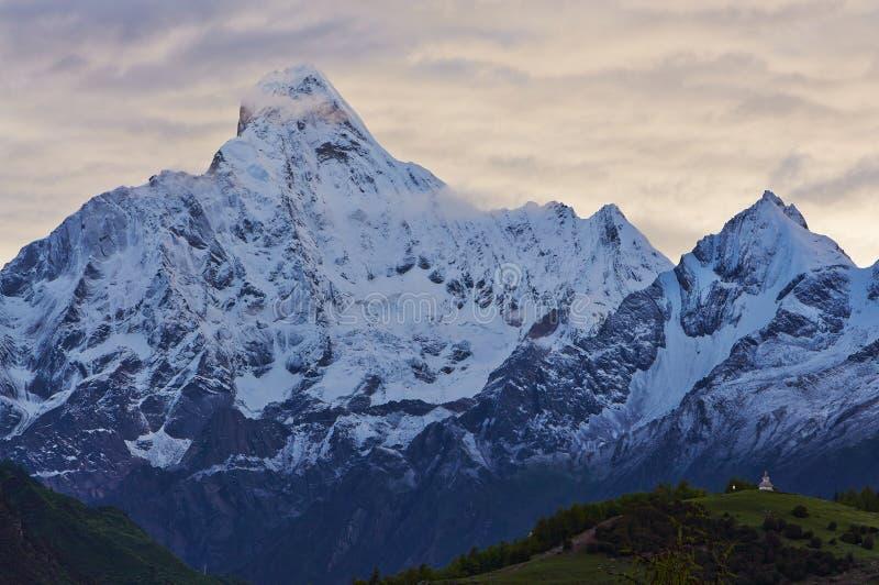 Гора Siguniang стоковые изображения
