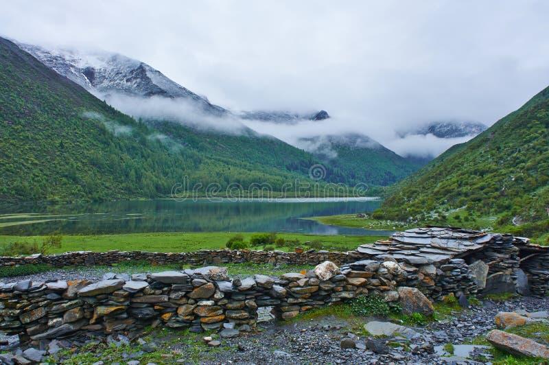 Гора Siguniang стоковые фото