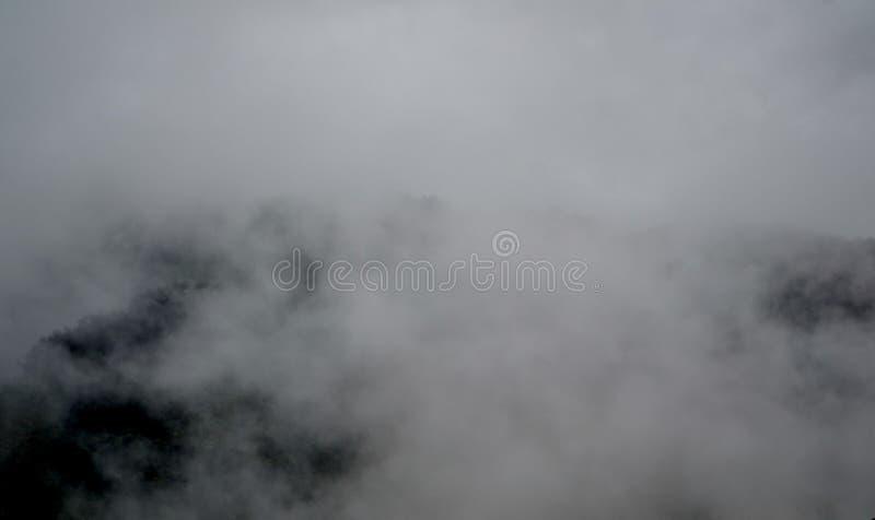 Гора valle тумана и облака стоковое фото