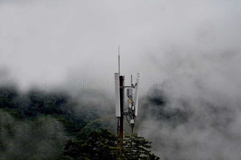 Гора valle тумана и облака стоковая фотография rf