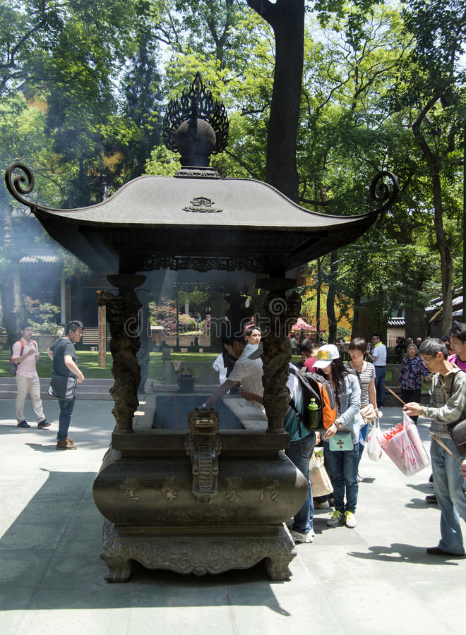 Горелка ладана на буддисте Lingyin Temple Chan стоковое изображение rf
