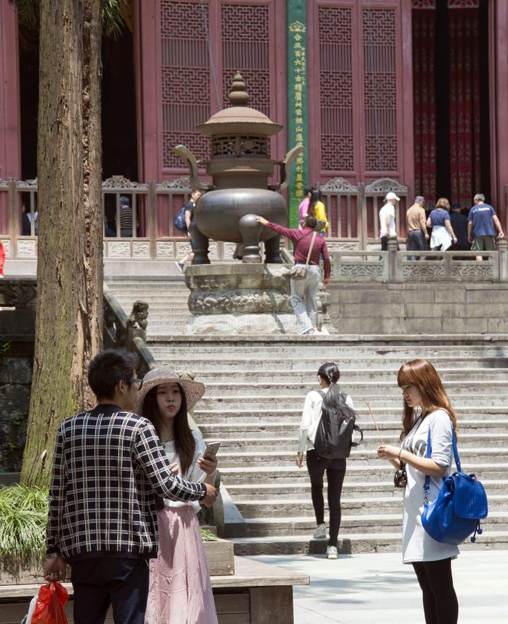 Горелка ладана на буддисте Lingyin Temple Chan стоковые фото