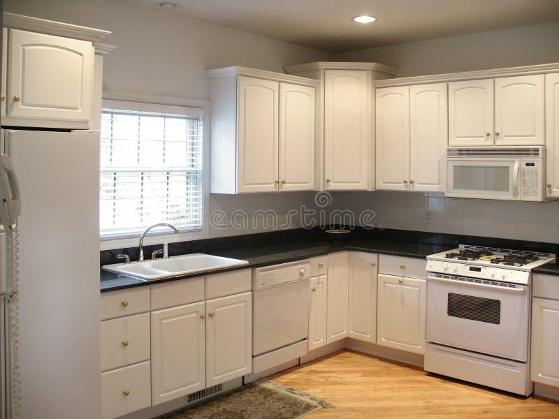 горизонтальная кухня высококачественная стоковое изображение rf