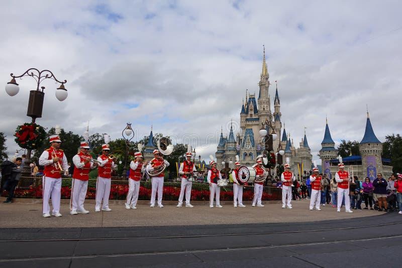 Горизонтальный взгляд военного оркестра США главной улицы стоковые фото