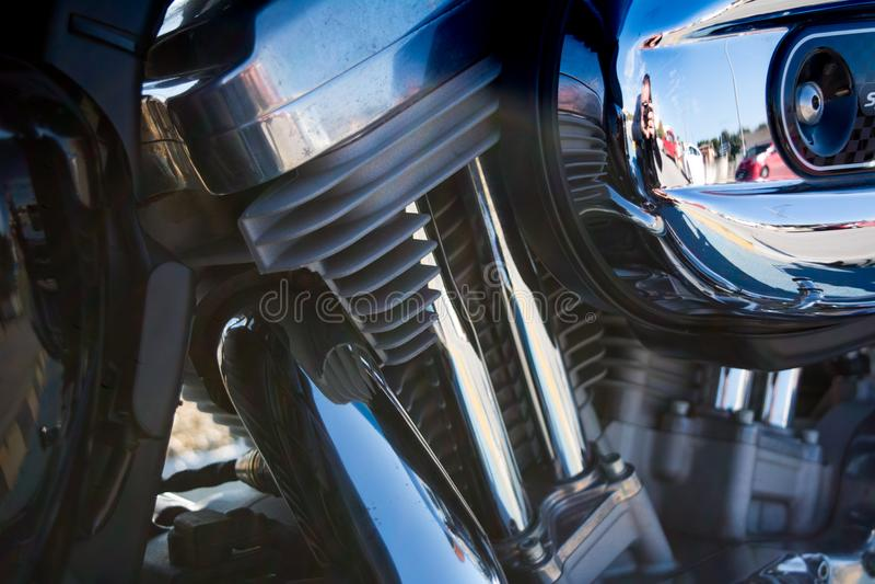 Горизонтальный взгляд конца вверх хрома разделяет мотоцилк стоковая фотография rf