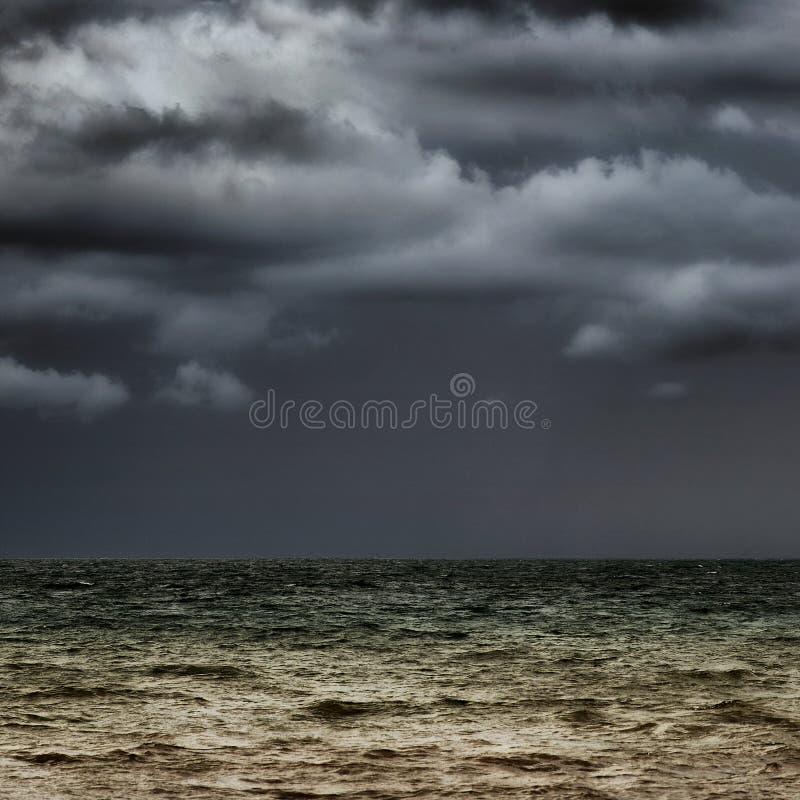 горизонт бурный стоковое фото rf