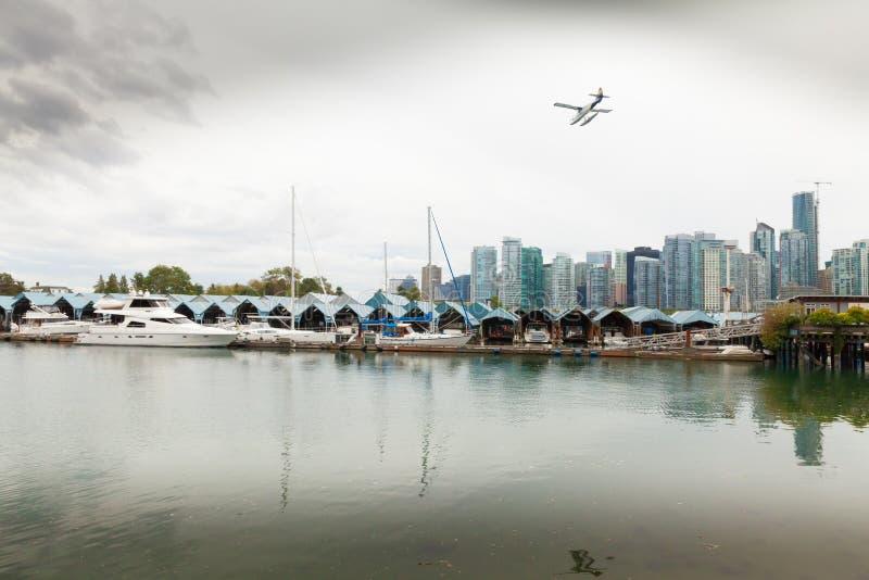 Горизонт Ванкувера и взгляд Канада порта стоковые изображения rf