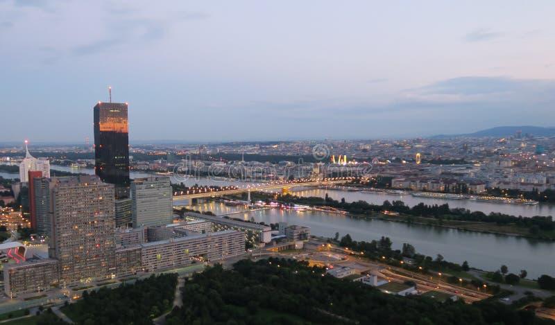 Горизонт вены и Дунай в столице Austrias стоковые изображения