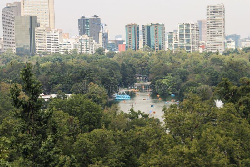 Горизонт в Мехико с озером в центре стоковая фотография rf