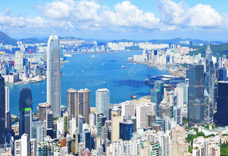 Download Горизонт Гонконга стоковое фото. изображение насчитывающей корпоративно - 33737426