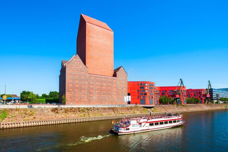 Горизонт города Дуйсбурга в Германии стоковое фото rf