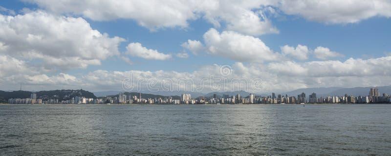 Горизонт города Сантоса, Сан-Паулу стоковое изображение