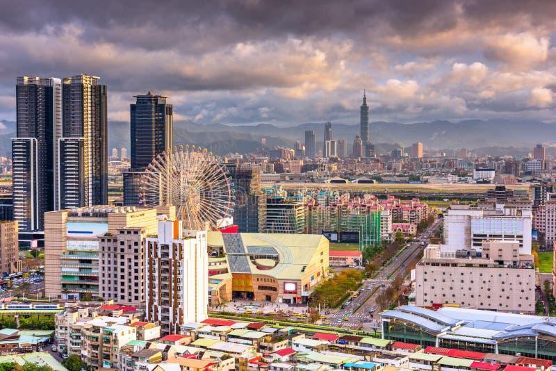 Горизонт города Тайбэя, Тайваня стоковое изображение