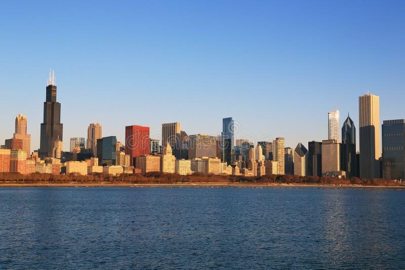 Горизонт города Чикаго осмотренный в раннем утре стоковое изображение rf