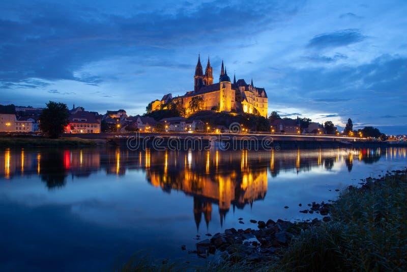 Горизонт города Albrechtsburg и Meissen на реке Эльбе на почти стоковая фотография