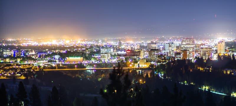 Горизонт города Spokane Вашингтона панорамного вида городской стоковое фото rf