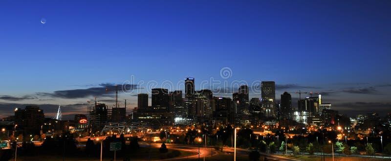 Горизонт города восхода солнца Денвера стоковые изображения