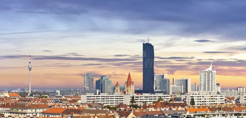 Горизонт города Дуная вены стоковое изображение rf