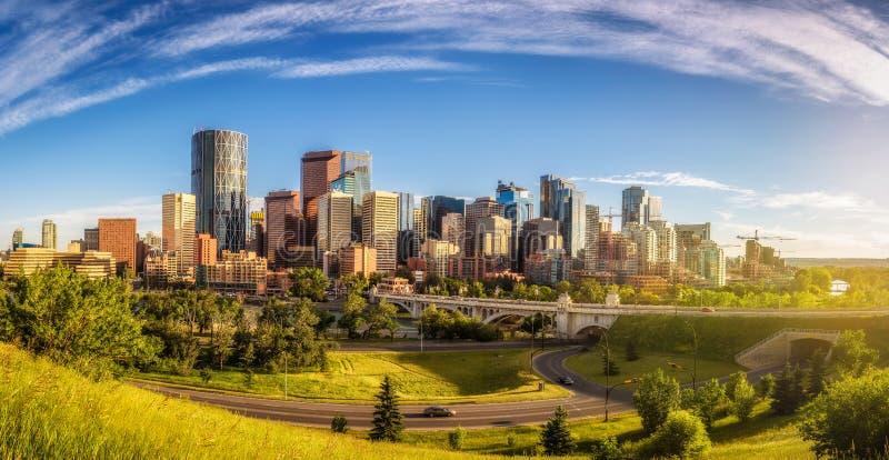Горизонт города Калгари, Канады стоковое фото rf