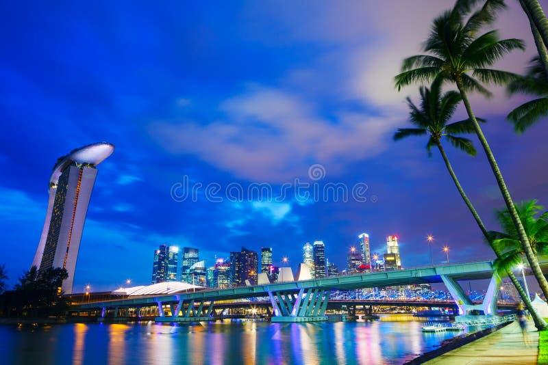 Download Горизонт города Сингапура стоковое изображение. изображение насчитывающей ashurbanipal - 33737333