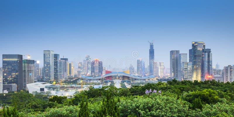 Горизонт города Шэньчжэня, Китая стоковое фото rf