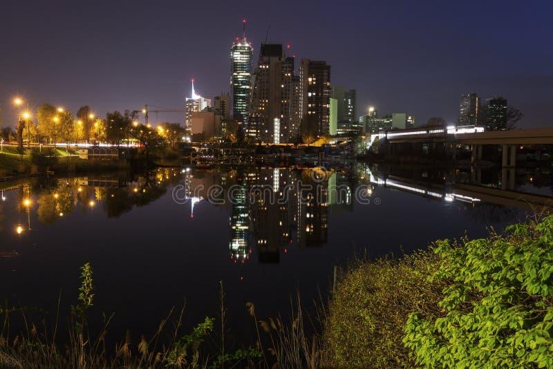Горизонт города Donau - DC вены стоковые изображения