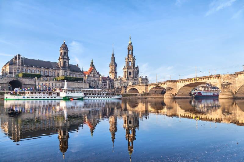 Горизонт Дрездена и мост Augustus стоковое фото rf