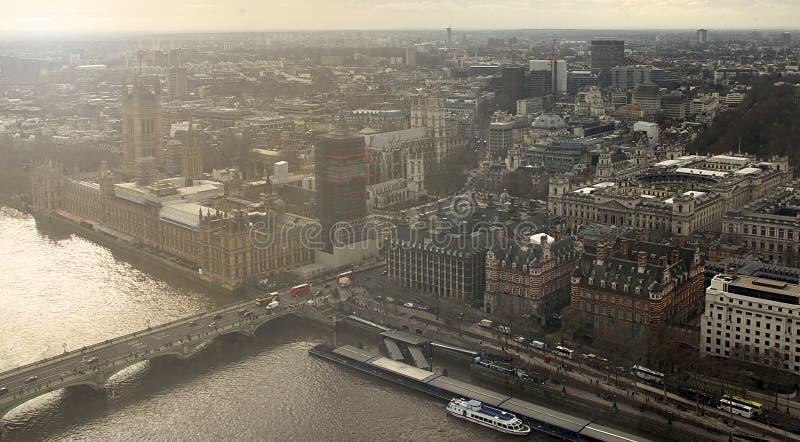 Горизонт захода солнца Лондона сфотографированный от глаза Лондона стоковое фото