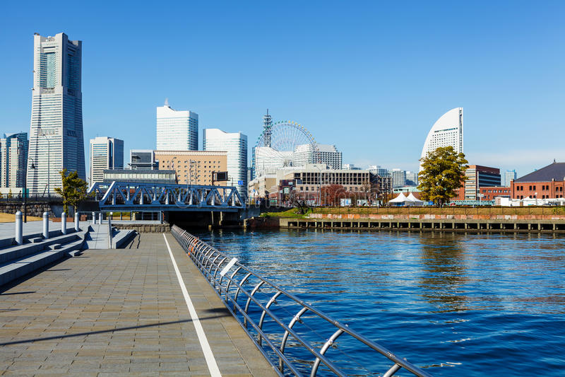 Download Горизонт Иокогама в Японии стоковое фото. изображение насчитывающей строя - 33737348