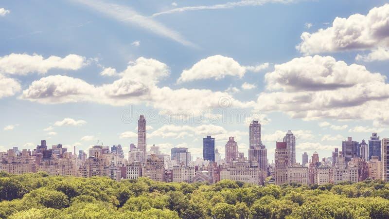 Горизонт Ист-Сайд Манхаттана верхний над Central Park, NYC стоковые изображения rf