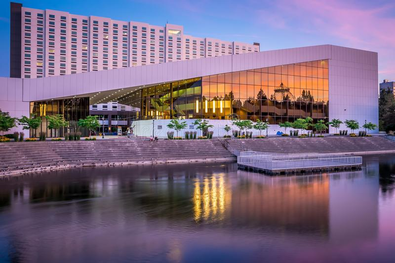 Горизонт и выставочный центр города Spokane Вашингтона стоковые изображения