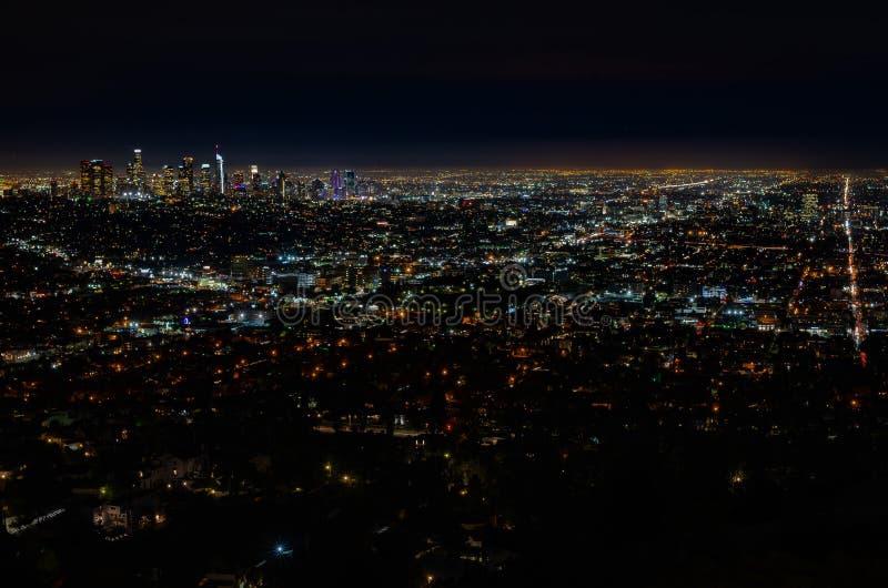 Горизонт ЛА вечером стоковое фото