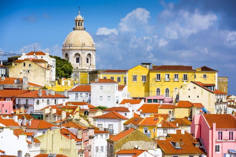 Горизонт Лиссабона, Португалии на Alfama стоковые фотографии rf