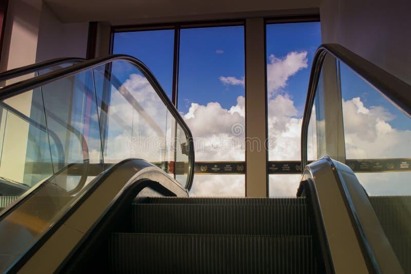 Горизонт лифт на Hilton Hotel, Остине Техасе США стоковые фотографии rf