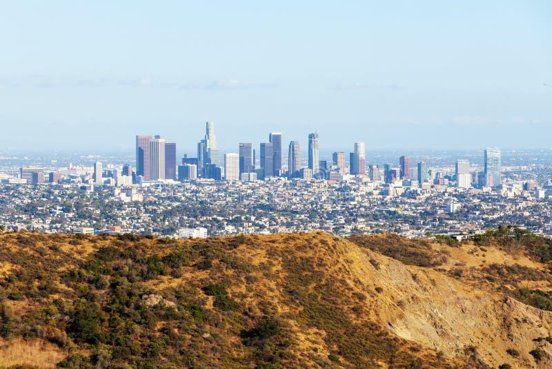 Горизонт Лос-Анджелеса городской от Hollywood Hills ЛА, Калифорния, США стоковое фото rf