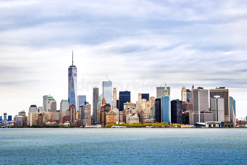 Горизонт Манхаттана панорамы Нью-Йорка стоковая фотография rf