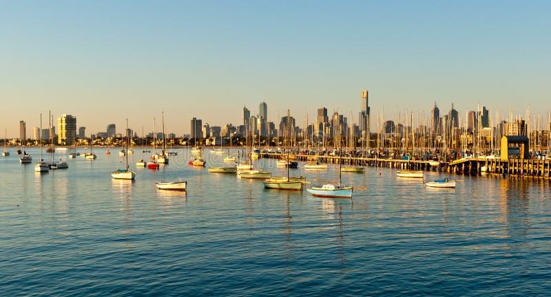 Горизонт Мельбурна от St Kilda стоковое фото