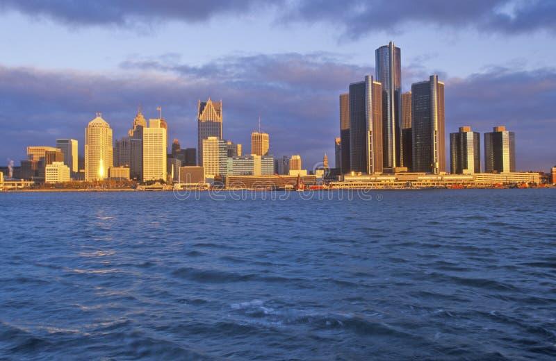Горизонт на восходе солнца от Виндзора, Канада Детройта стоковые фото