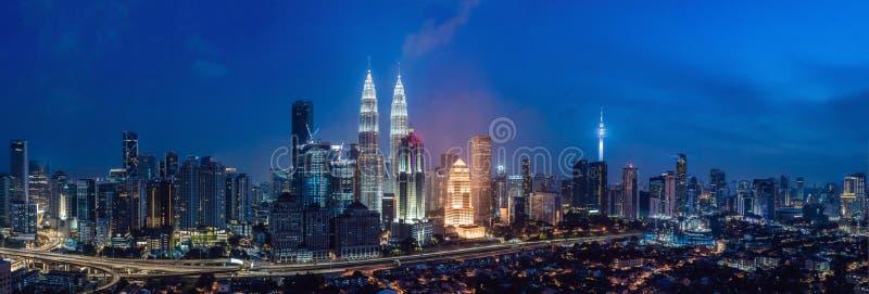 Горизонт на ноче, Малайзия Куалаа-Лумпур, Куала-Лумпур столица Малайзии стоковое изображение