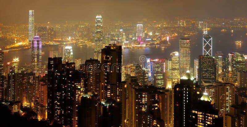 Горизонт ночи Гонконга стоковые изображения rf