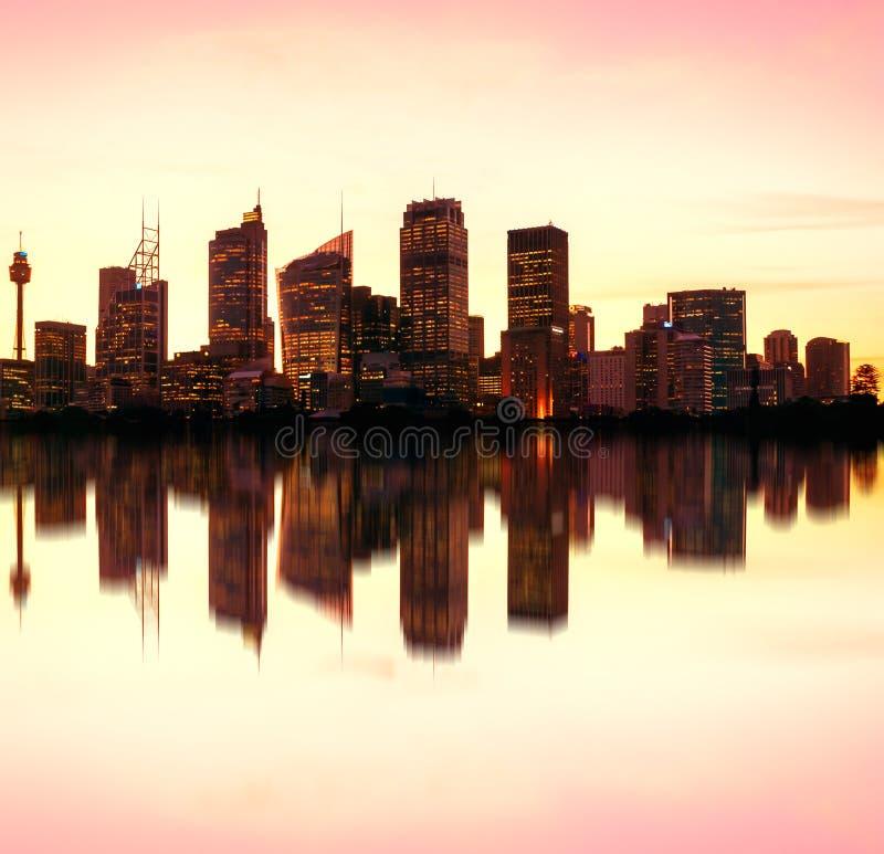Горизонт ночи Сиднея, Австралия стоковое фото