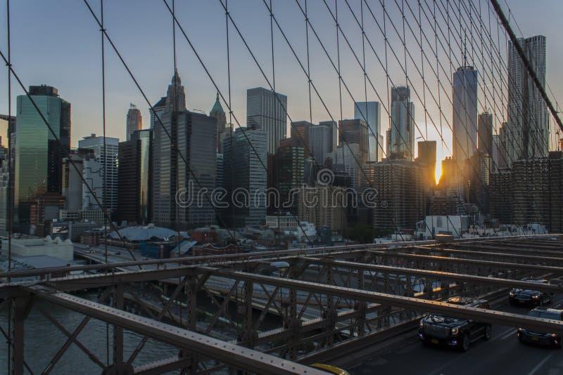 Горизонт Нью-Йорка более низкий Манхаттана от Бруклинского моста стоковая фотография
