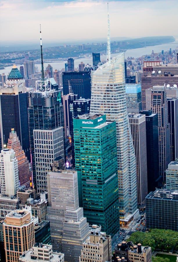 Горизонт Нью-Йорка, небоскребы, США стоковые изображения